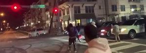 A vrut sa-si impresioneze prietenii, dar a daramat semaforul din intersectie. Video cu momentul impactului