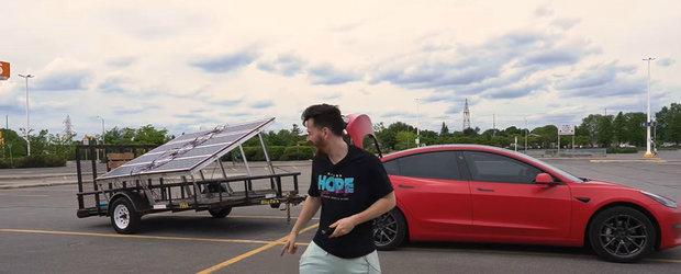 A vrut sa vada daca-si poate incarca masina electrica folosind numai panouri solare. Cat ar dura
