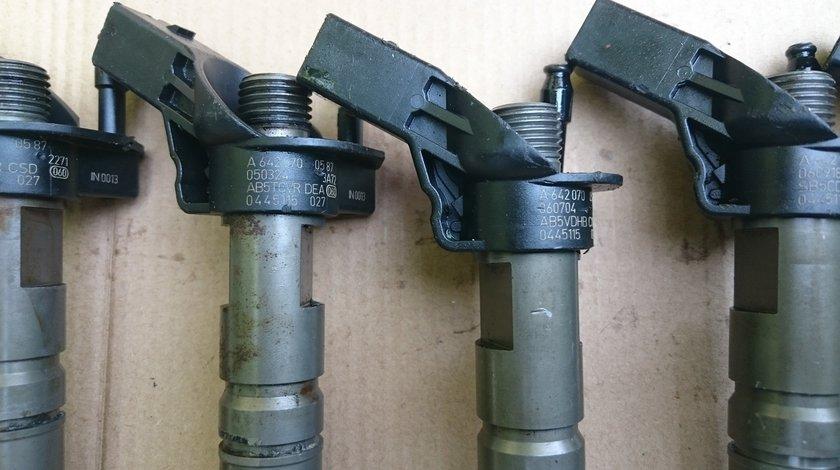 A6420700587 0445115027 Bosch Injector Mercedes 3.0 CDI ,C,E,G,M,R,S Klasse Sprinter Viano Vito