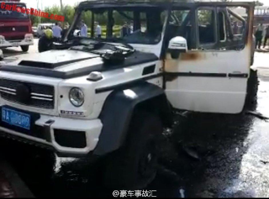 Accident aparent usor intre un Mercedes G63 AMG by Mansory si un Hyundai Santa Fe