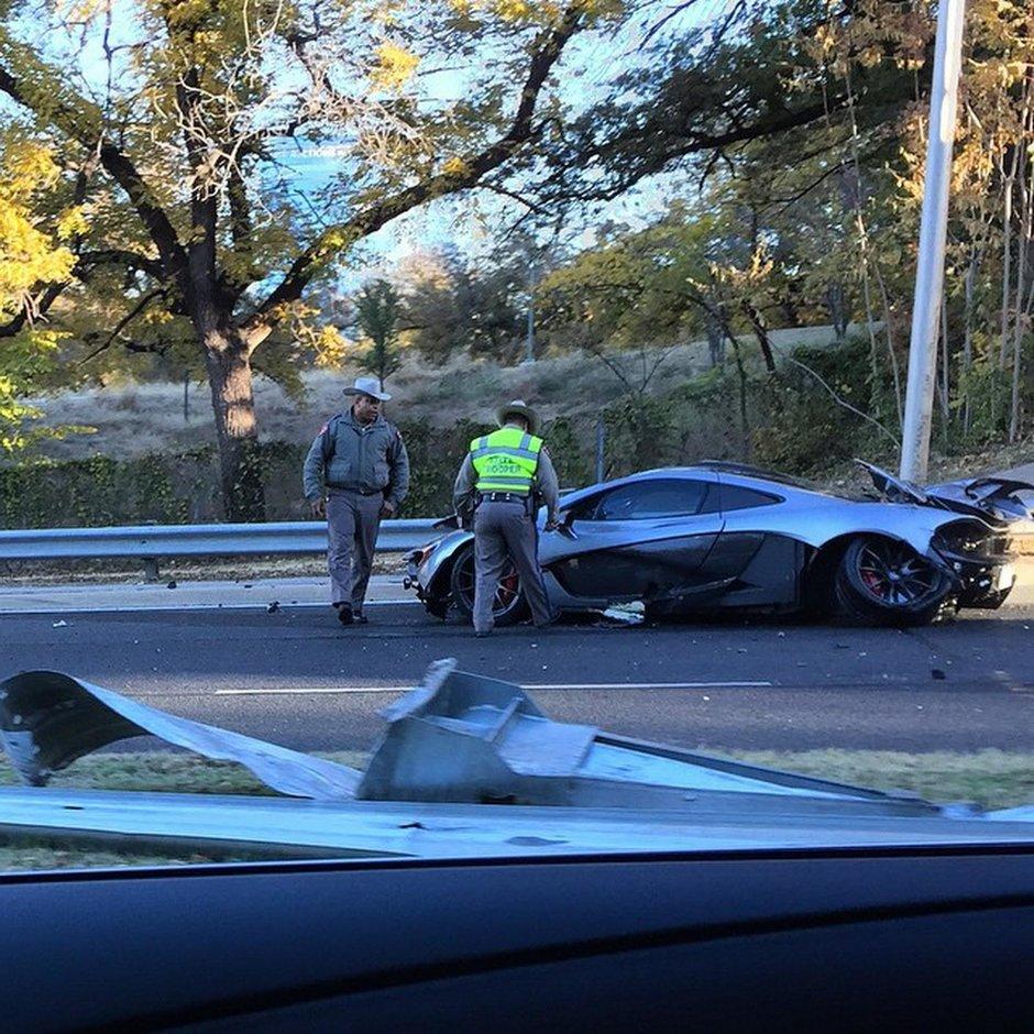 Accident cu McLaren P1