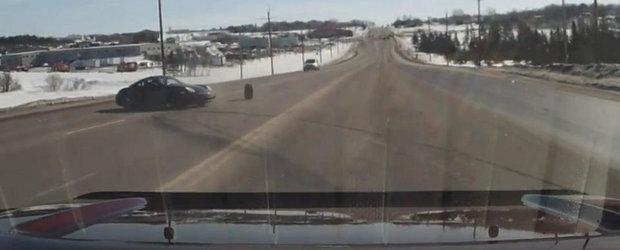 Accident cu un Porsche Cayman: De la 0 la dezastru in doar cateva secunde