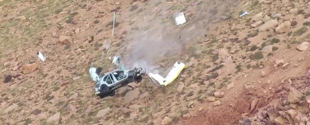Accident cutremurator la Pikes Peak: Un Evo 8 rateaza curba si cade in prapastie!