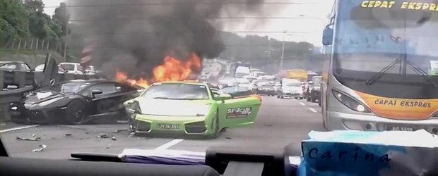 Accident de 1.9 milioane dolari! Trei Lamborghini-uri au ars complet!