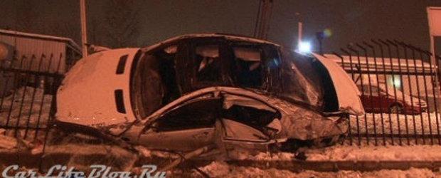 Accident la 200 kilometri pe ora. Singura victima, un Mercedes S65 AMG