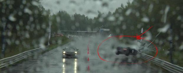 Accident la Moscow Unlim 500: Un Nissan GT-R se izbeste violent de un parapet