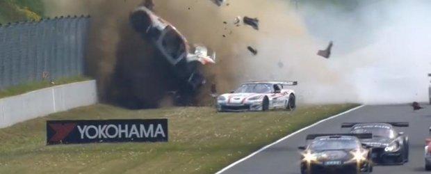 Accident serios la cursa ADAC GT Masters din Germania