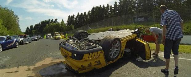 Accident socant in Iadul Verde: Un Porsche GT2 se face praf intr-o curba