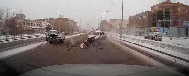 Accidente de sezon: iata de ce trebuie sa reduci viteza pe timp de iarna
