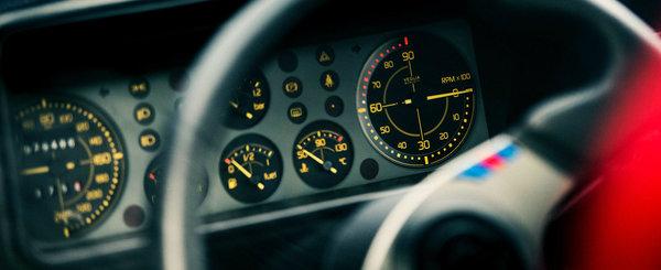 Acestea sunt vedetele industriei auto. 10 dintre cele mai tari CEASURI DE BORD din istorie