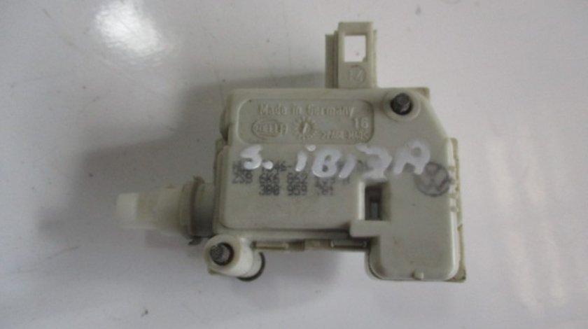 ACTUATOR / MOTORAS USITA REZERVOR COD 3B0959781 SEAT IBIZA 2 6K2 FAB. 1999 - 2002 ⭐⭐⭐⭐⭐