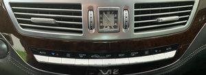 Acum 8 ani era cel mai puternic si luxos S-Class de pe piata. Limuzina cu motor V12 se vinde cu 95.000 km la bord