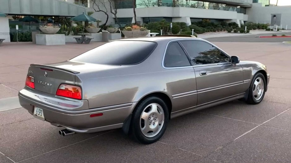 Acura Legend cu peste 920.000 de kilometri
