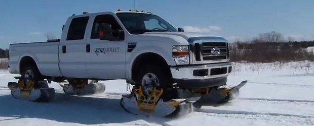Adio anvelope de iarna! Cum sa-ti transformi masina in snowmobil in cateva secunde