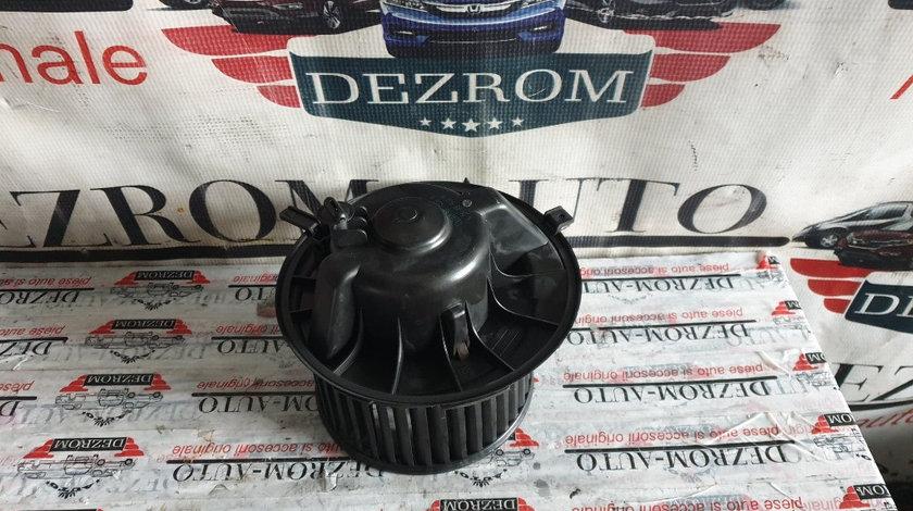 Aeroterma / Ventilator habitaclu VW Touran I 1.6 FSI cod piesa : 1K1819015A