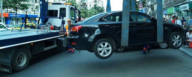 Ai grija unde iti parchezi masina. Hingherii auto sunt tot la panda!