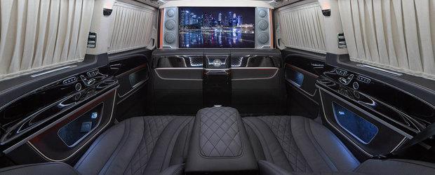 Ai putea sa te muti fara probleme in el. Cel mai luxos Mercedes V-Class vine de la TopCar