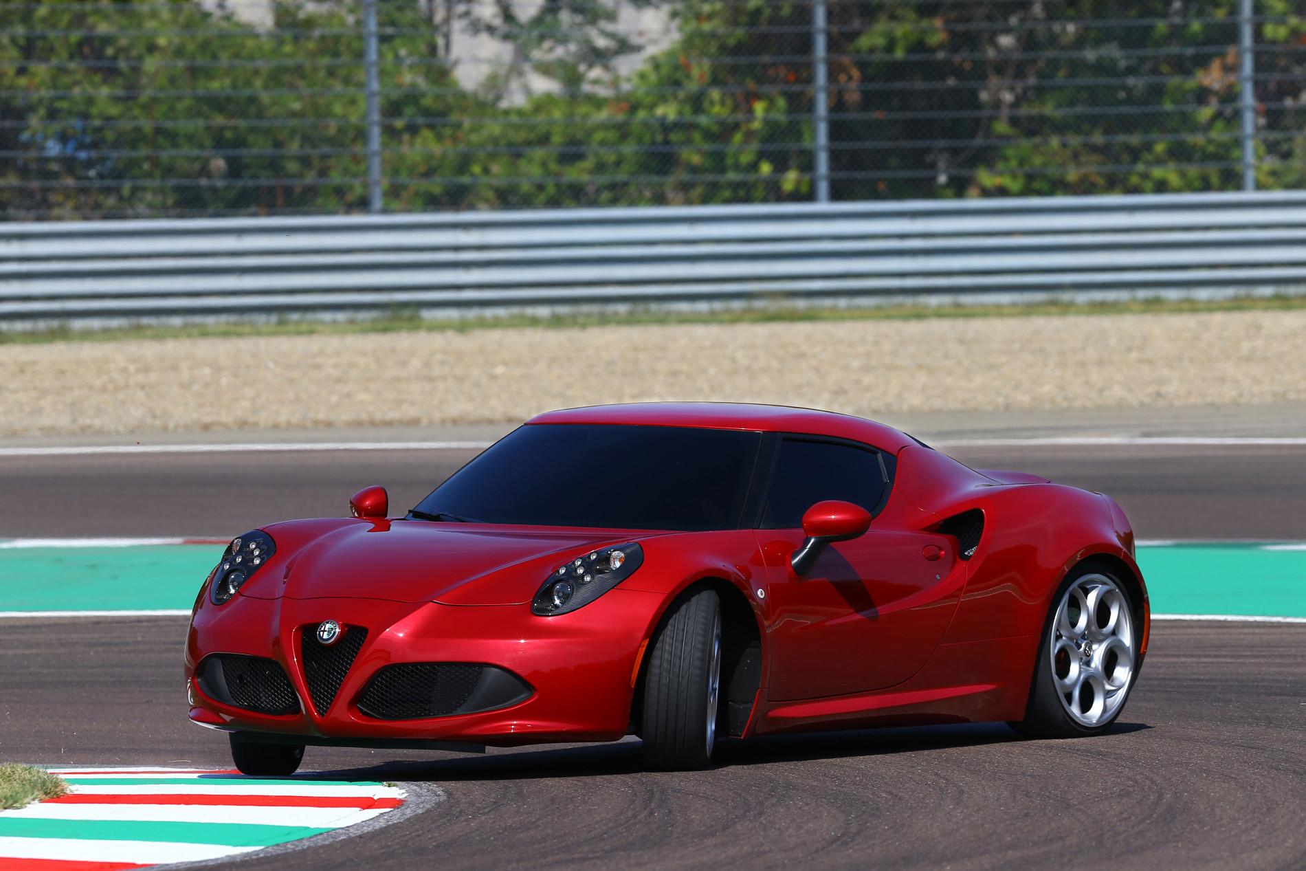 Alfa Romeo la aniversare. Cele mai tari modele din istoria de 110 ani a italienilor - Alfa Romeo la aniversare. Cele mai tari modele din istoria de 110 ani a italienilor