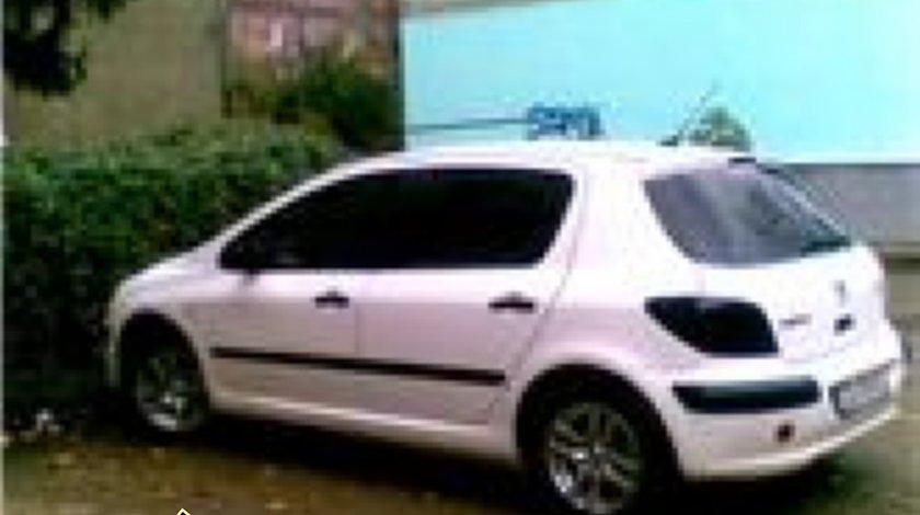 Amortizoare Peugeot 307 2 0 HDI an 2004 1997 cmc 66 kw 90 cp tip motor RHY motor diesel PEUGEOT 307dezmembrari Bucuresti