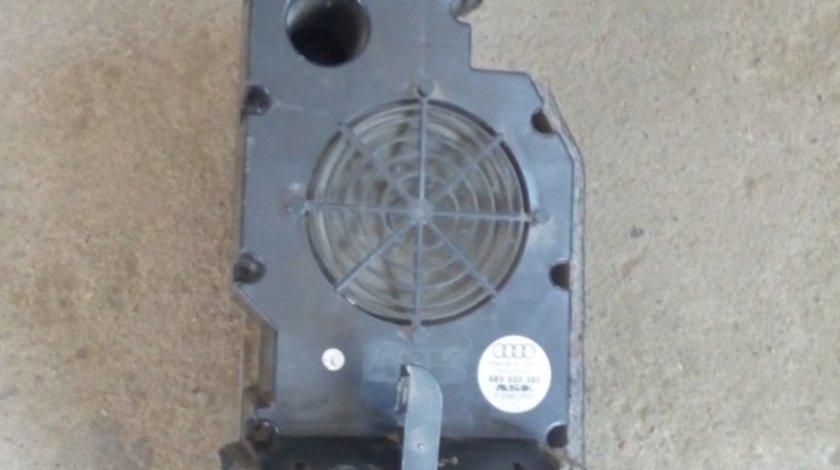 Amplificator Audi cod 4B9 035 382