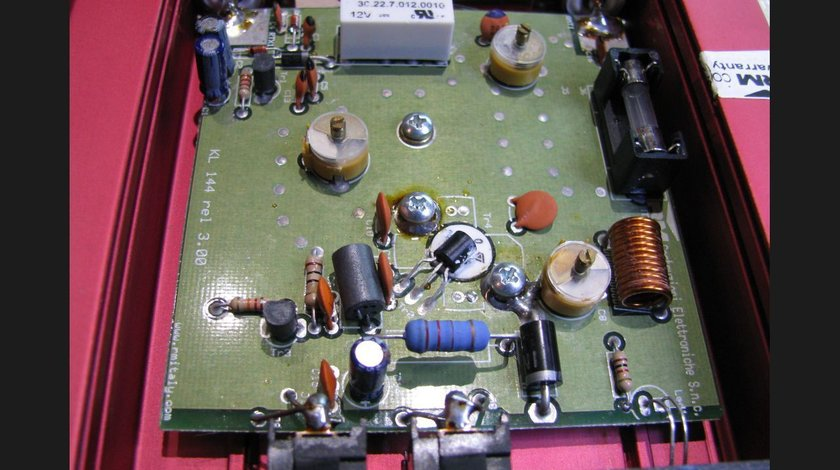Amplificator KL 144 VHF 140- 160 MHz pentru Taxi