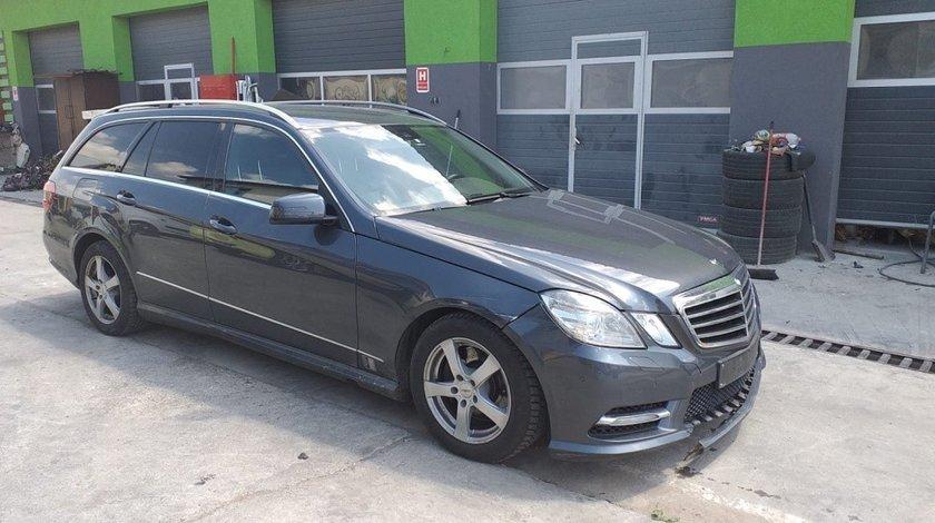 Ansamblu stergatoare cu motoras Mercedes E-Class W212 2013 combi 2.2 cdi