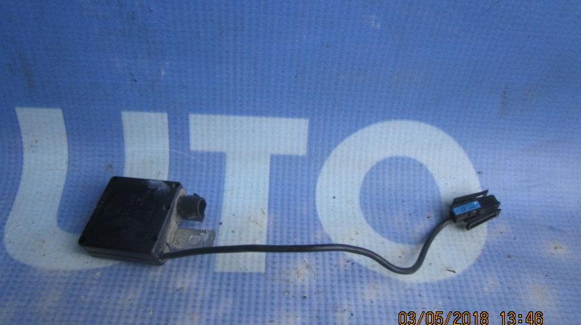 Antena BMW E53 X5; 8380945 (amplificator)
