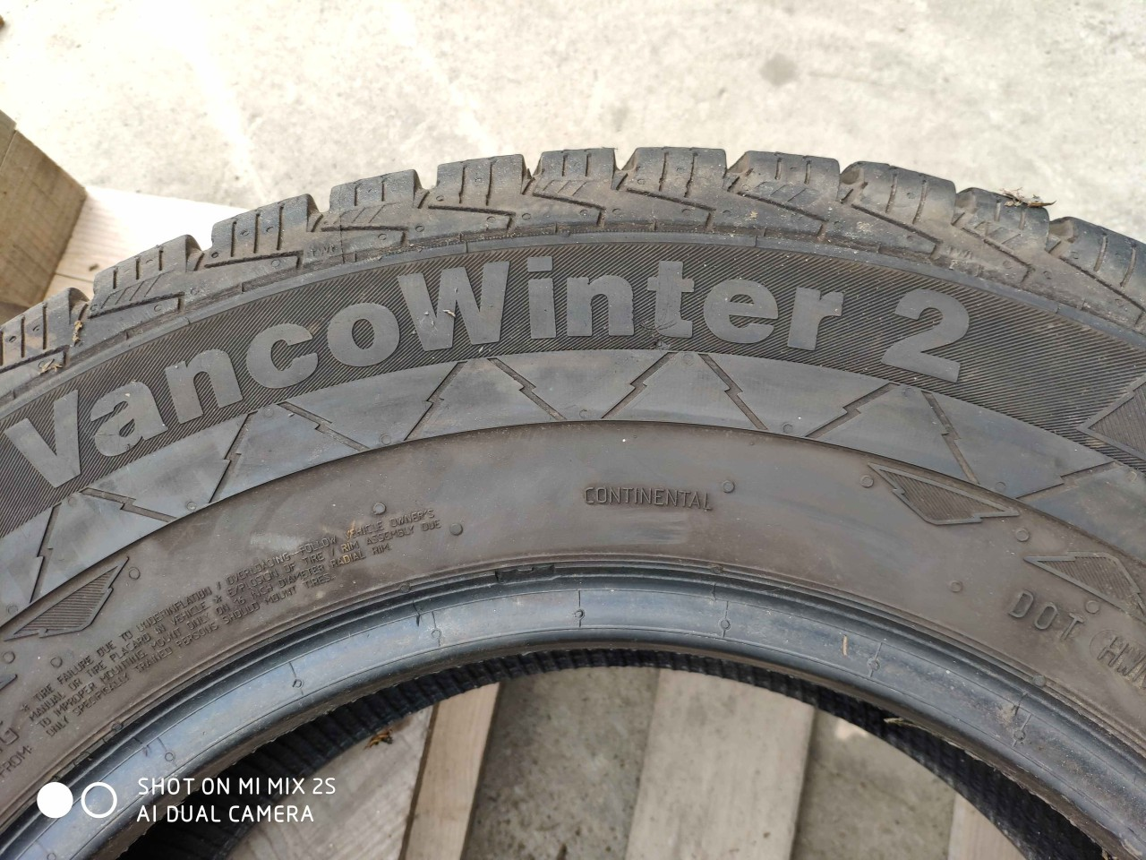 Anvelopa Iarna 215/75 R16C CONTINENTAL Vanco Winter 2 113/111R