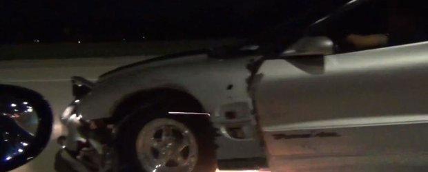 Anvelopa unui Firebird explodeaza in timpul unei curse ilegale