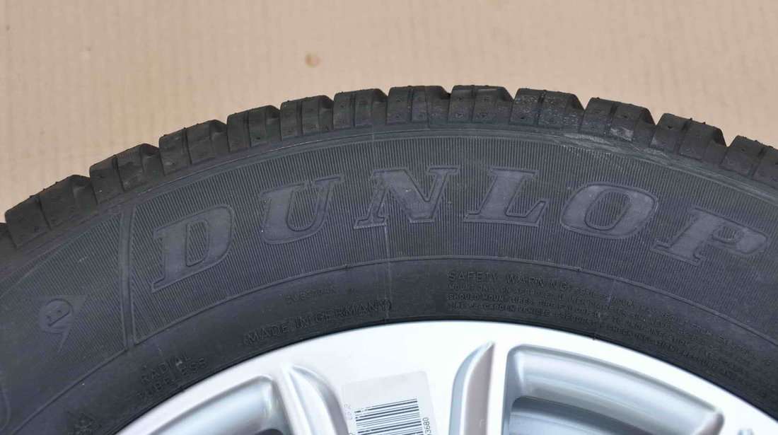 Anvelope Iarna Noi 16 inch Dunlop 215/65 R16 Dacia Duster Vw Tiguan Audi Q3 Renault Scenic
