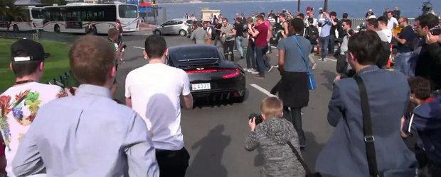 Aparitia unui Aston Martin One-77 starneste o adevarata nebunie in Monaco