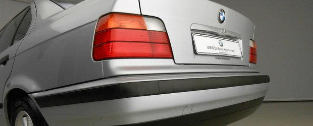 Arata ca noua si are putin peste 22000 km. Ce masina scoasa de la naftalina vinde un dealer BMW