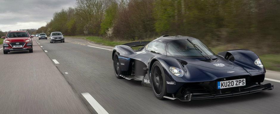 Arata ca scos din filmele SF pe langa masinile obisnuite. Noul Aston Martin Valkyrie testat pentru prima data pe sosea