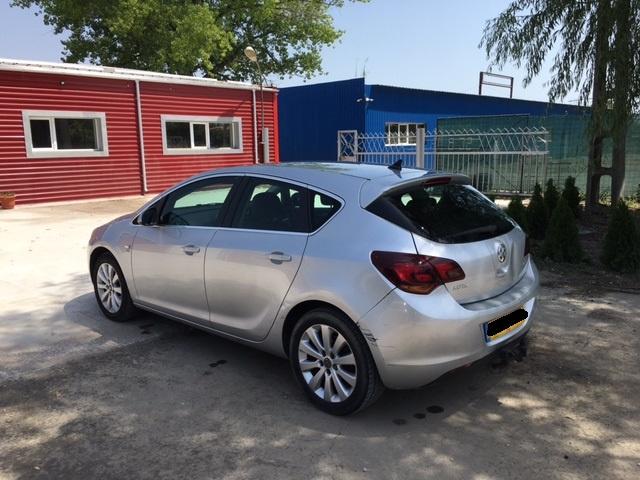 Arcuri fata Opel Astra J 2011 HATCHBACK 1.7 CDTI