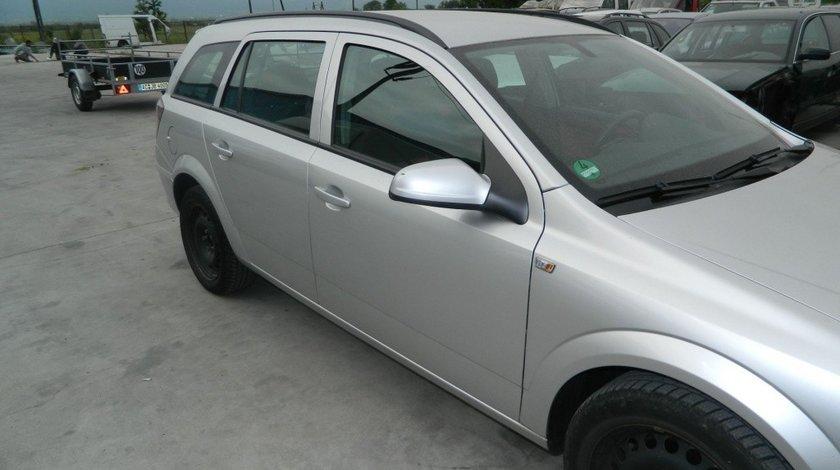 Arcuri stanga - dreapta spate Opel Astra H model 2008