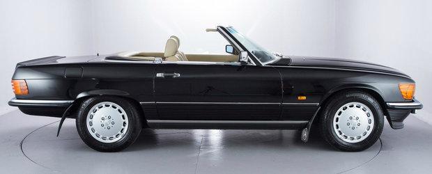 Are 28 de ani si 1553 de kilometri in bord. Pentru cat se da acest Mercedes 500SL