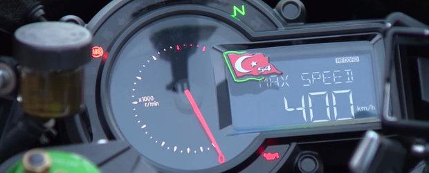 Are de 4 ori mai putina putere, insa e aproape la fel de rapida precum un One:1. Motocicleta care atinge 400 km/h in 26 de secunde.