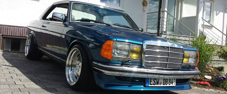 """Are un V8 urias sub capota si a fost tinut numai in """"puf"""". Cu cat se vinde acum acest Mercedes W123 Coupe"""