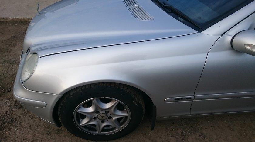 Aripa Aripi fata Mercedes C Classe W203 2002 2003 2004 2005 2006