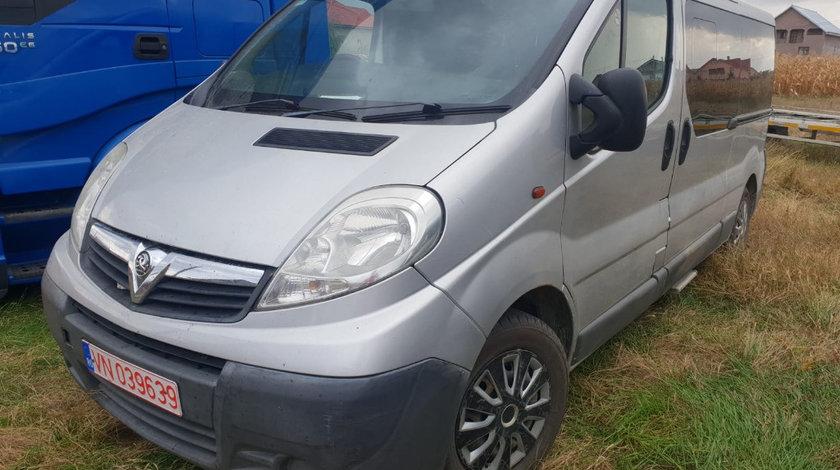 Aripa dreapta fata Opel Vivaro 2007 8+1 locuri 2.0dci