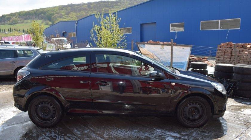 Aripa dreapta Opel Astra H 522