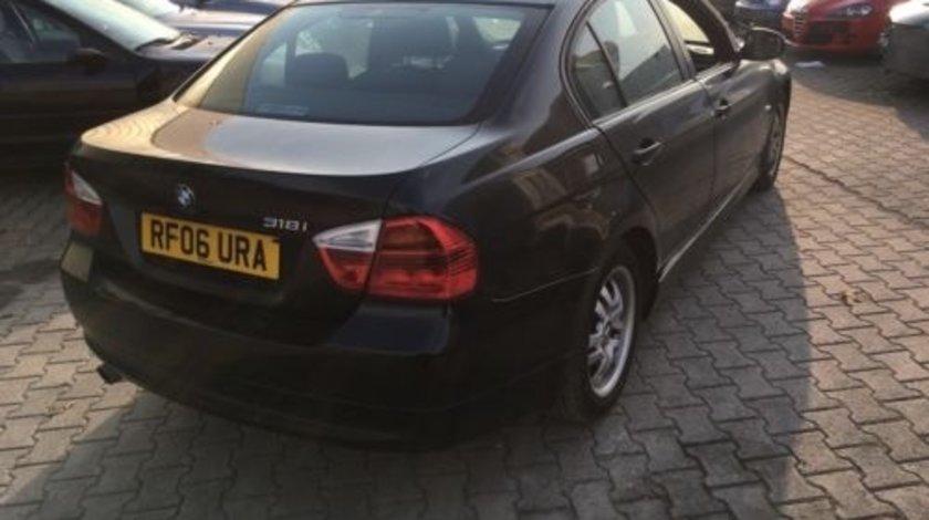 Aripa dreapta spate BMW Seria 3 E90 2006 // 2011
