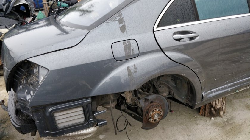 Aripa dreapta spate Mercedes S Class W221 2006 // 2013