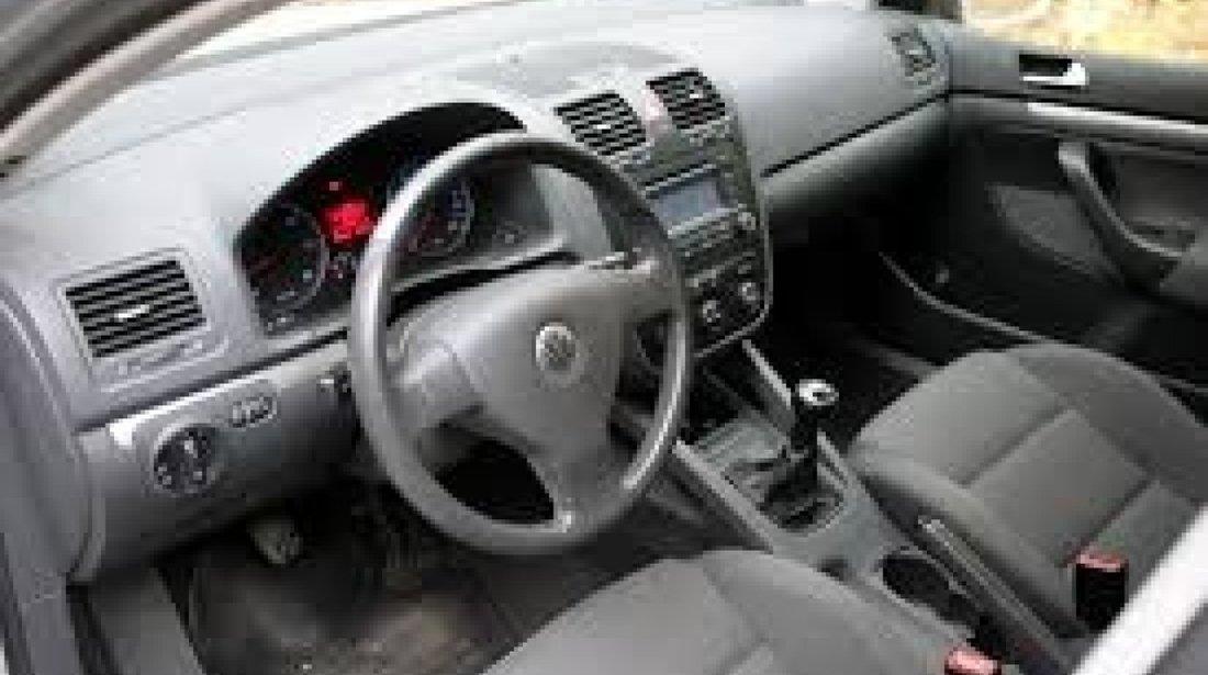 Aripa dreapta spate VW Golf 5 Plus 2007 HATCHBACK 1,9 TDI