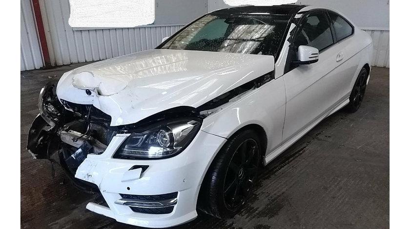 Aripa stanga fata Mercedes C-Class C204 2014 Coupe AMG Sport Edition 2.2 CDi