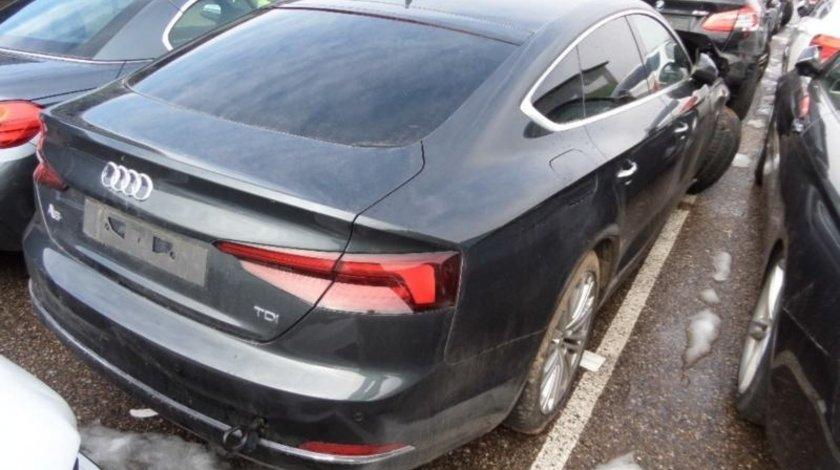 Aripa stanga spate Audi a5 D9 F5 2016// 2018