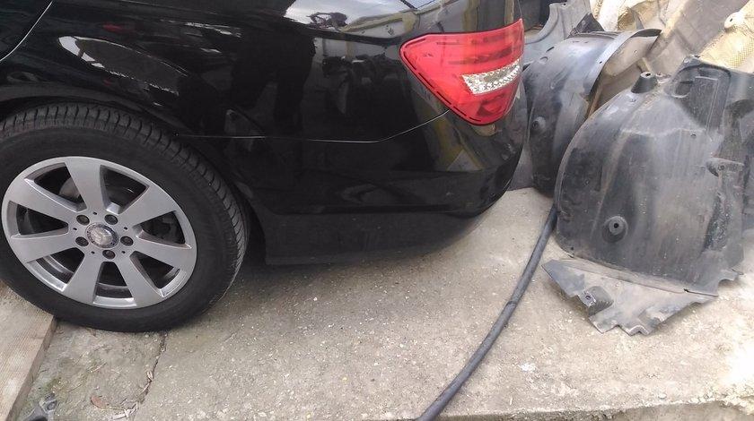 Aripa stanga spate Mercedes c class W204