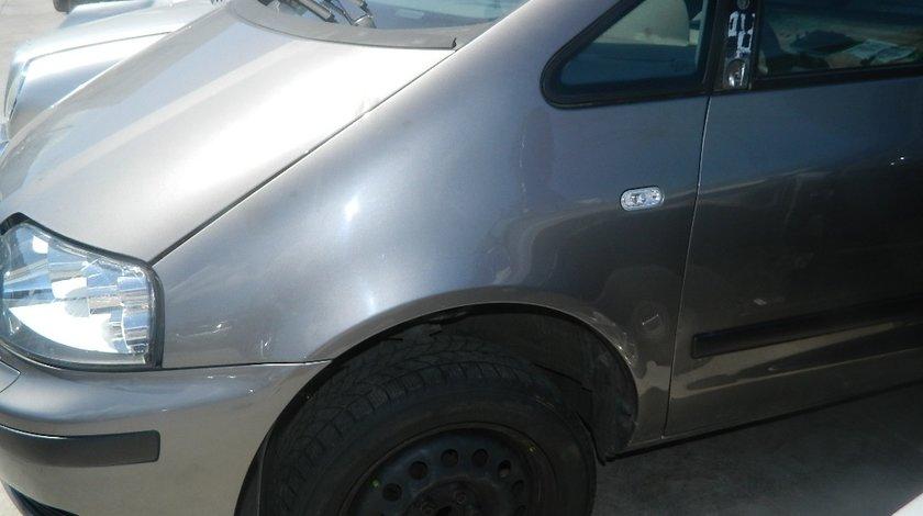 Aripi fata Seat Alhambra 1.9Tdi model 2005