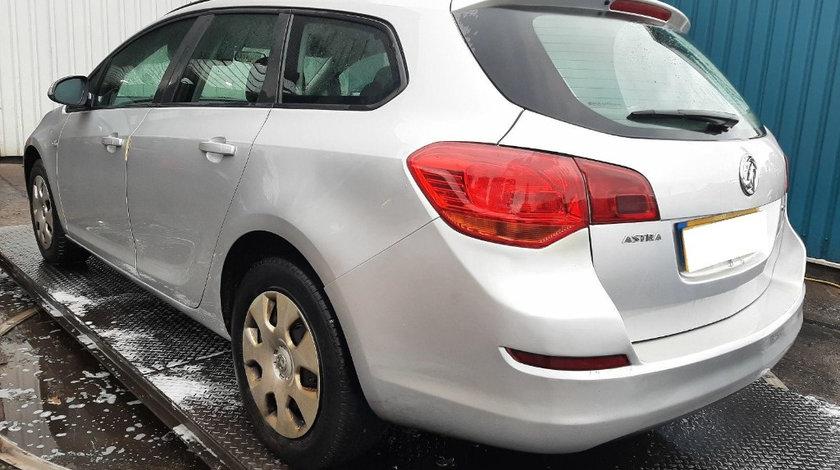Armatura bara spate Opel Astra J 2012 Break 1.7 CDTI