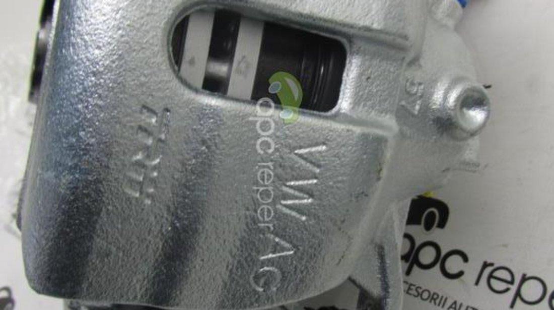 Articulatie stanga VW Passat B8 2016 Fuzeta 5Q0407253A Completa